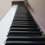 YouTubeのピアノ動画本数が100本突破。YouTubeにピアノ即興動画をアップロードしています。